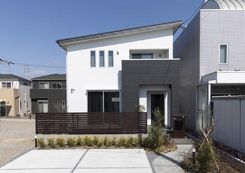 大垣市東町の新モデルハウス外観